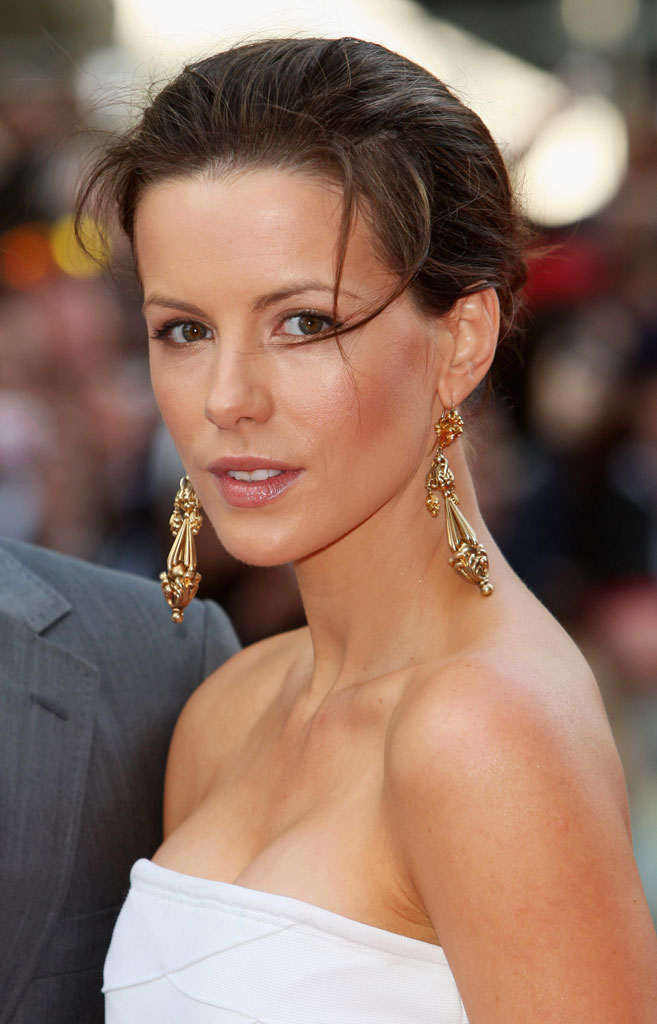 Kate Beckinsale Turns Her Back On Sexy Roles-9683