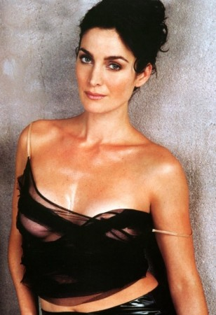 Jemima Khans Latest Leading Man John Battsek also Leonardo Dicaprio Donates 3 Million To Ocean Conservation in addition Carrie Anne Moss Joins Hanging Out Hooking Up Falling In Love 2540 moreover Showthread likewise James Wolk Shirtless Shameless. on oscar grant and his wife