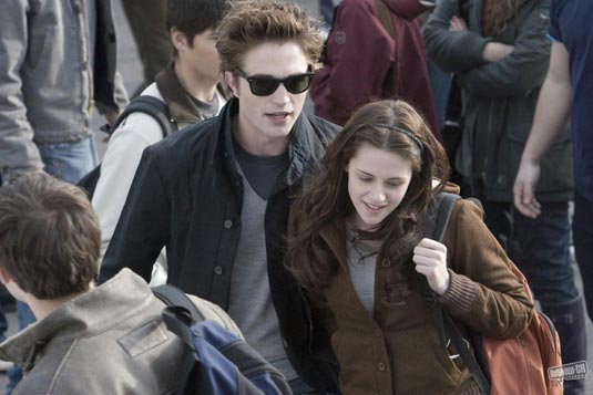 Twilight image - Kristen Stewart and Robert Pattinson