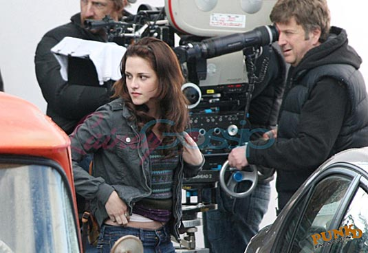 New Moon Set Photo - Kristen Stewart