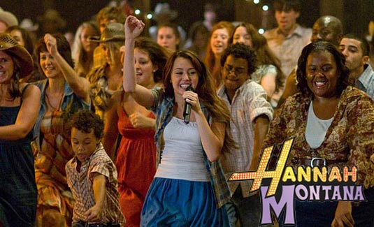 http://www.filmofilia.com/wp-content/uploads/2009/04/11_hannah_montana_m.jpg