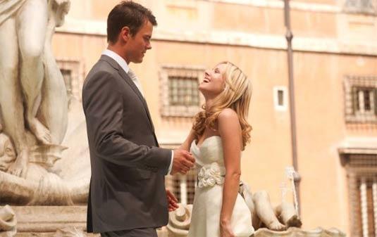 Josh Duhamel And Kristen Bell In When In Rome