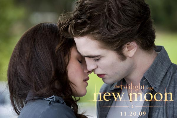 robert pattinson and kristen stewart. New Moon Photo: Robert