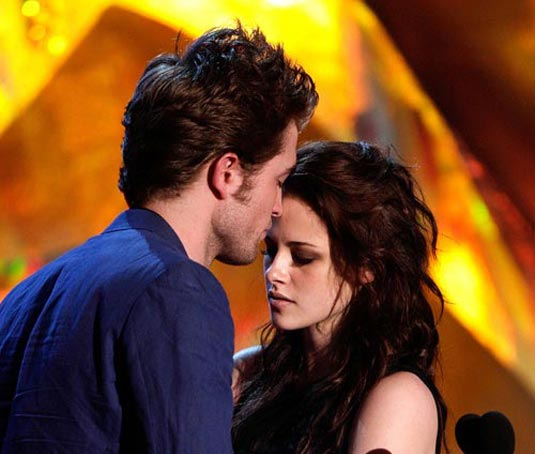 MTV Movie Awards | Robert Pattinson and Kristen Stewart