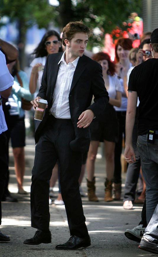 Robert Pattinson in a Suit on Remember Me Set