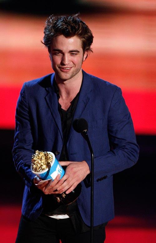 robert_pattinson_mtv_movie_awards