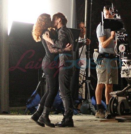 Victoria Bryce Dallas Howard and Xavier Samuel, Eclipse set photos
