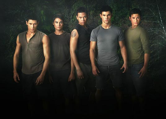 New Moon Wolfpack: Alex Meraz (Paul), Kiowa Gordon (Embry), Bronson Pelletier (Jared), Taylor Lautner (Jacob) and Chaske Spencer (Sam Uley).