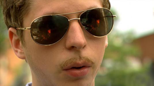 "A brand new red-band trailer for ""Youth in Revolt"" has been released."