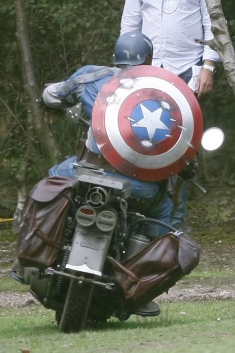 Captain America, Steve Rogers (Chris Evans)