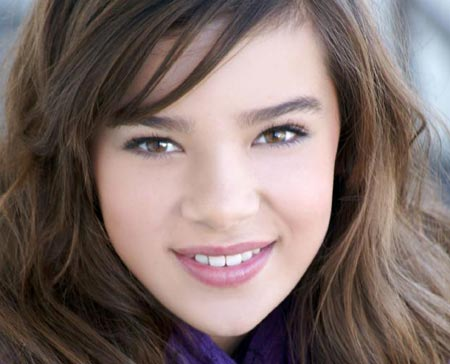 golden globes hailee steinfeld. Hailee Steinfeld to Star in
