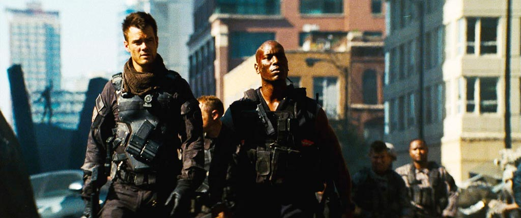 Josh Duhamel and Tyrese Gibson in Transformers: Dark of the Moon