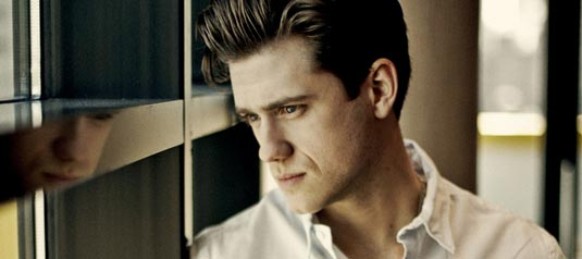 aaron tveit les miserables