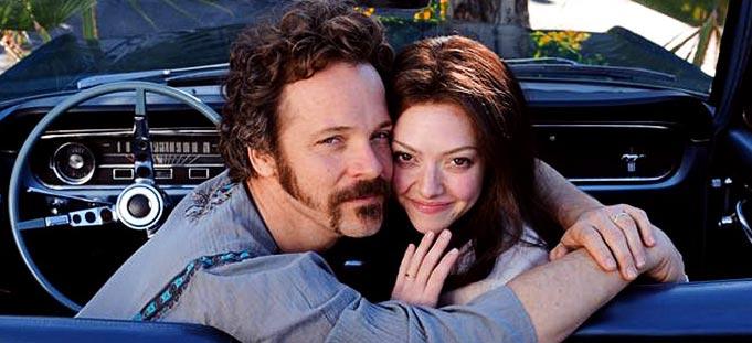 http://www.filmofilia.com/wp-content/uploads/2012/01/Amanda-Seyfried-and-Peter-Sarsgaard-in-Lovelace.jpg