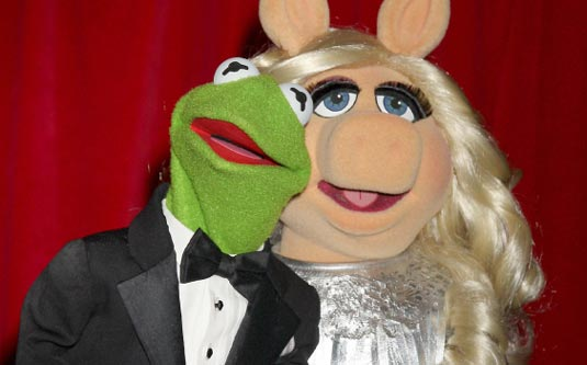 Kermit the Frog and Miss Piggy will present at the 84th Academy Awards ...