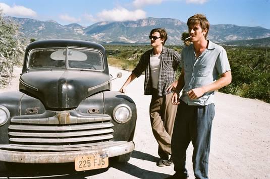 on-the-road-movie-image-sam-riley-garrett-hedlund-1