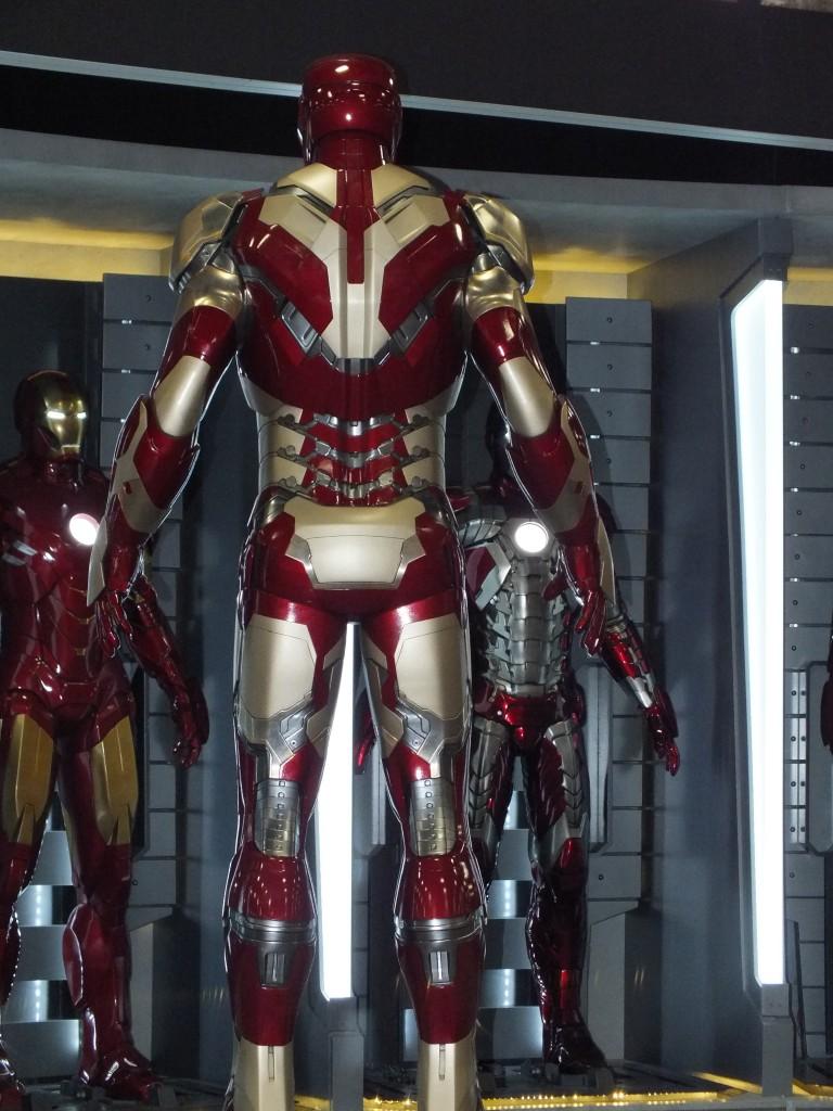 Iron Man 3 - First Loo...
