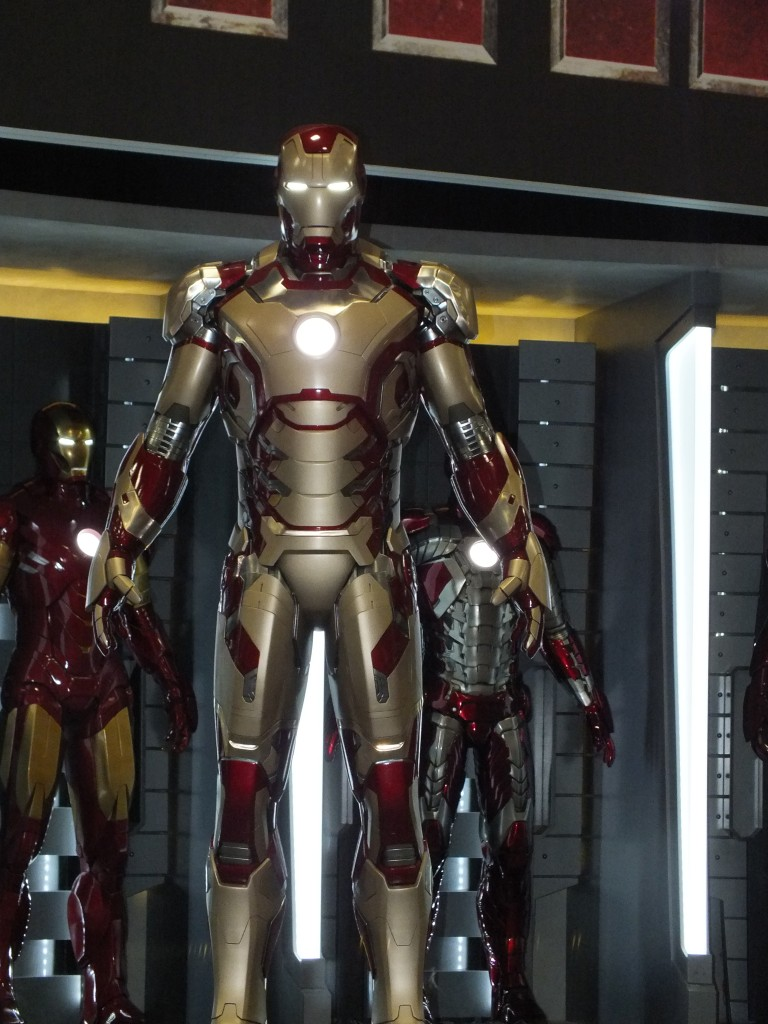 Iron Man 3 - First Look at New Armor
