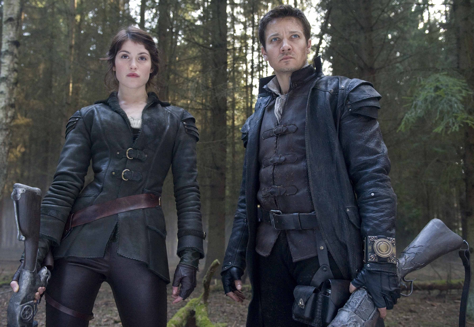 Jeremy-Renner-Gemma-Arterton-Hansel-and-Gretel-Witch-Hunters.jpg