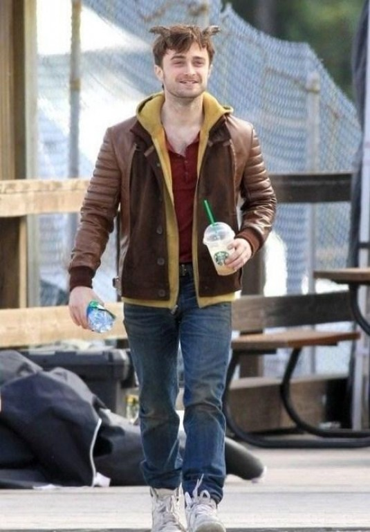 HORNS Daniel Radcliffe Set Photo 01