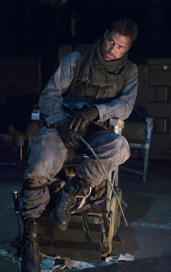 Deathstroke Without Mask Photos of Manu Bennett...