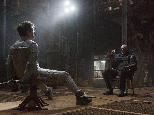 Oblivion - Tom Cruise-Morgan Freeman