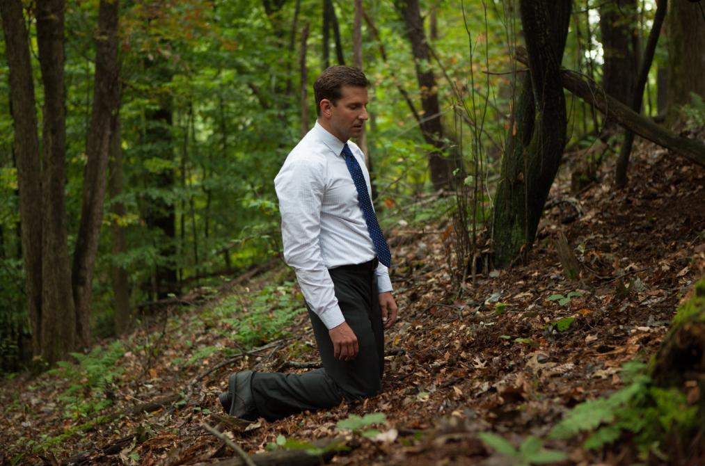 http://www.filmofilia.com/wp-content/uploads/2013/03/THE-PLACE-BEYOND-THE-PINES-Bradley-Cooper.jpg