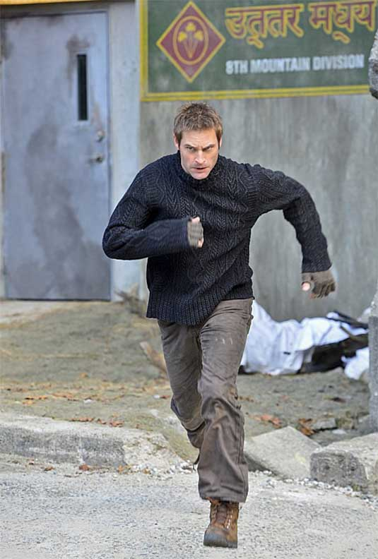Josh Holloway in Intelligence
