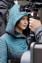 THE HUNGER GAMES: MOCKINGJAY, PART 2 Set Photos (+36) - Jennifer Lawrence
