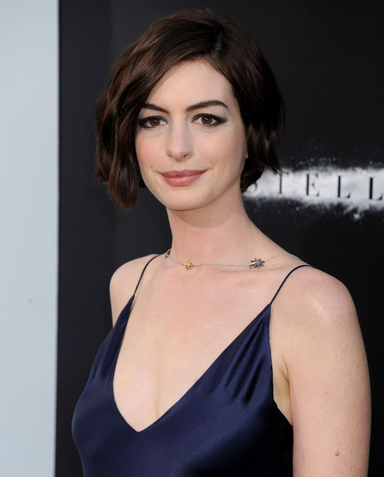 Anne Hathaway At The Hustle Premiere In Hollywood: INTERSTELLAR Premiere In Hollywood