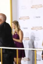 THE HUNGER GAMES: MOCKINGJAY PART 1 Premiere in Los Angeles - Elizabeth Banks