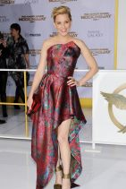 THE HUNGER GAMES: MOCKINGJAY ­PART 1 Premiere in Los Angeles - Elizabeth Banks