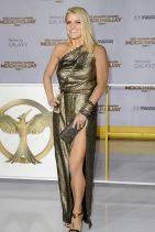 THE HUNGER GAMES: MOCKINGJAY ­PART 1 Premiere in Los Angeles - Jessica Simpson