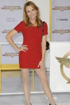 THE HUNGER GAMES: MOCKINGJAY ­PART 1 Premiere in Los Angeles - Lea Thompson