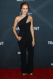 Elizabeth McLaughlin – TRANSPARENT Season 2 Red Carpet Premiere in West Hollywood