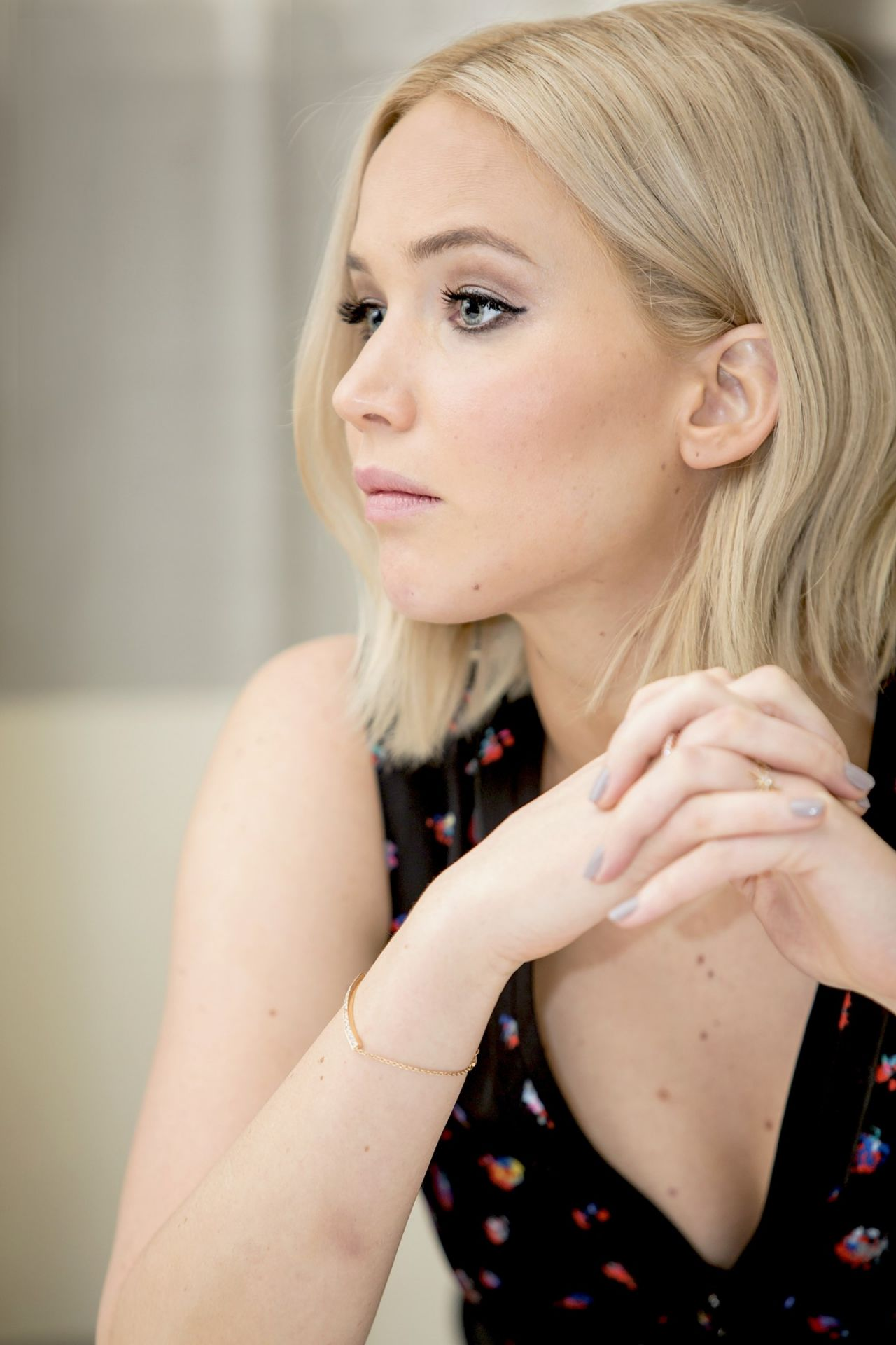 how to look like jennifer lawrence makeup