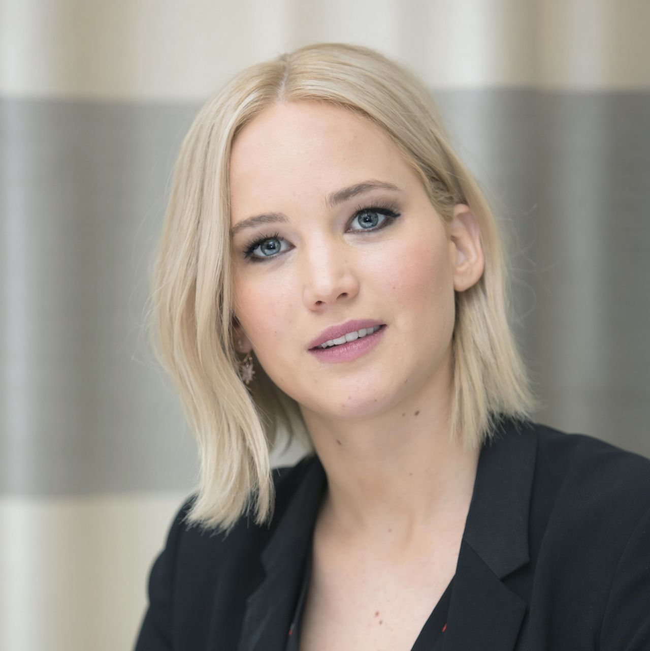 Jennifer Lawrence at THE HUNGER GAMES: MOCKINGJAY u00adPART 2 ...